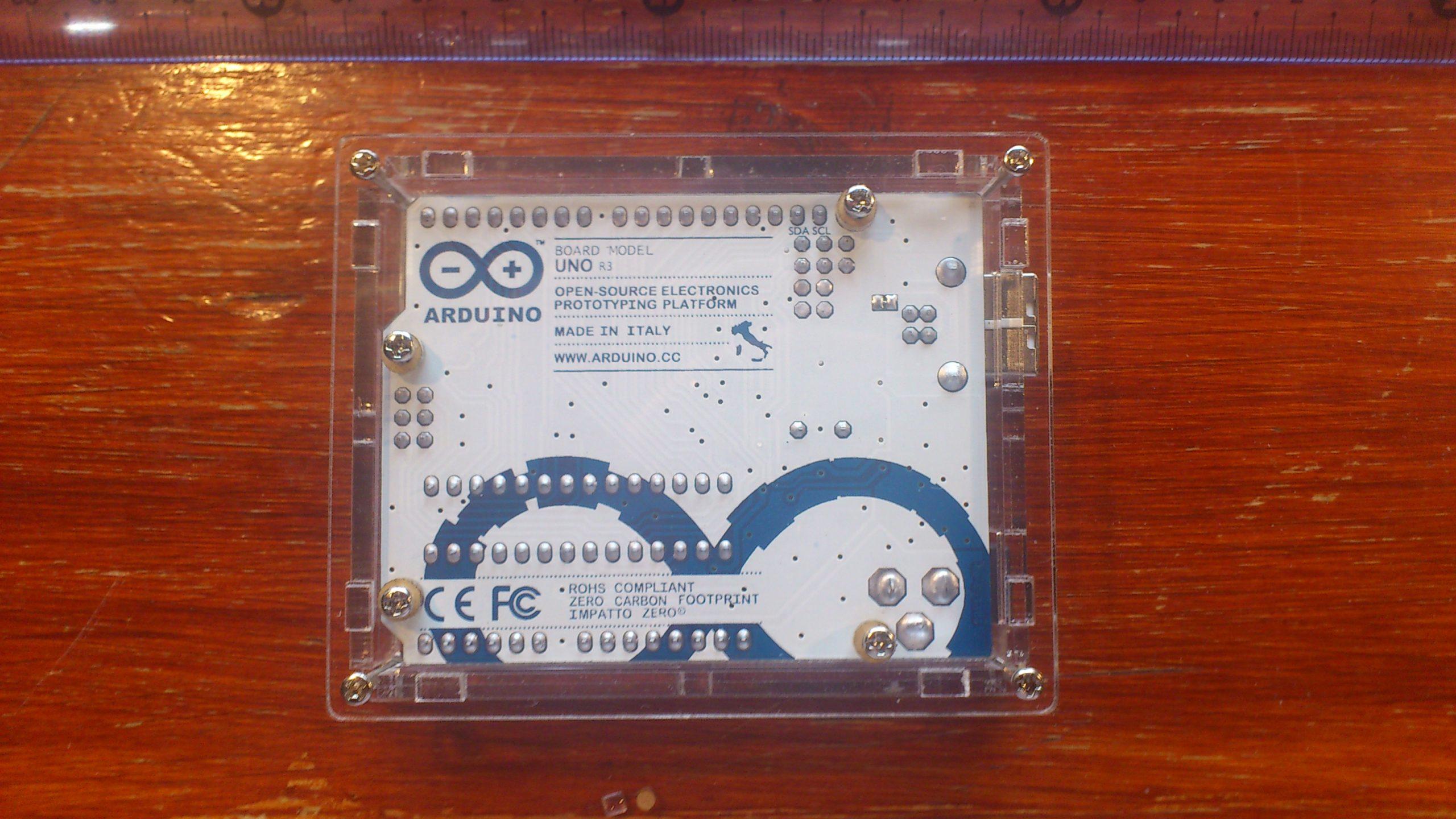 Arduino Uno CAJA Trasera DSC 0050 scaled
